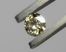 0.39 cts. brilliant cut diamond Sparkling Yellow