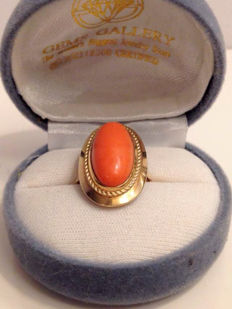 Gold ring with a large coral stone, ca. 1935