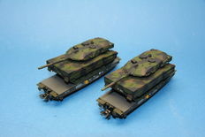 Märklin H0 - 48711- 2 pieces 4MFOR low cars with Leopard 2 A6 Tank of the DB