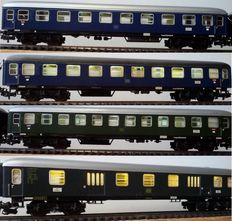 Märklin H0 - 4032/4032/4024/4026 - 4x carriages, all with stabilised Led interior lights and Led closing lights  (20)