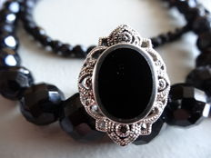 Jet necklace and ring with onyx.