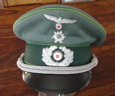 CAP of a mountain hunter officer, army, WW 2