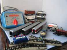 Märklin H0 - complete train layout with BR 216 beige / turquoise of the DB