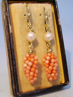 Earrings with angel's skin coral in mulberry shape and real Akoya pearls