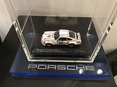 Tower display for 10 models in acrylic with a Porsche Carrera RSR