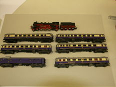 """Märklin/Liliput H0 - 3091 - locomotive with tender BR 18 and 6x """"Rheingold"""" carriages of the DB"""