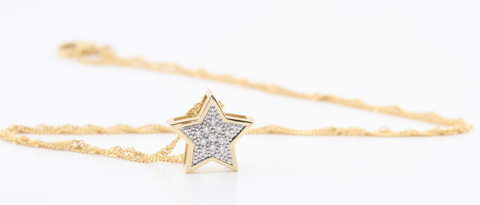 14kt diamond star pendant & necklace total 0.10ct. G-H/VS1-VS2. / 3.30gr / lenght: 45.00cm