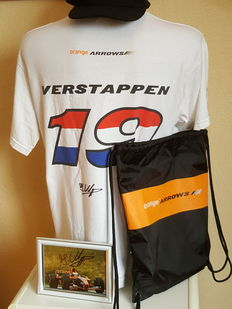 Jos Verstappen - Arrows F1 Goodie bag 2002 - with original signed shirt and photo and many others gadgets + COA