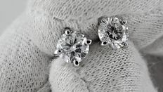 1.06 ct round diamond stud earrings 14 kt white gold *** no reserve price ***