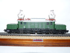 "Märklin H0 - 3022 - Elektric locomotive BR 194 ""German Crocodile"" of the DB"
