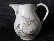 Doornik/the Hague, milk jug, polychrome painted with birds.