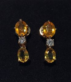 Gold and amber earrings