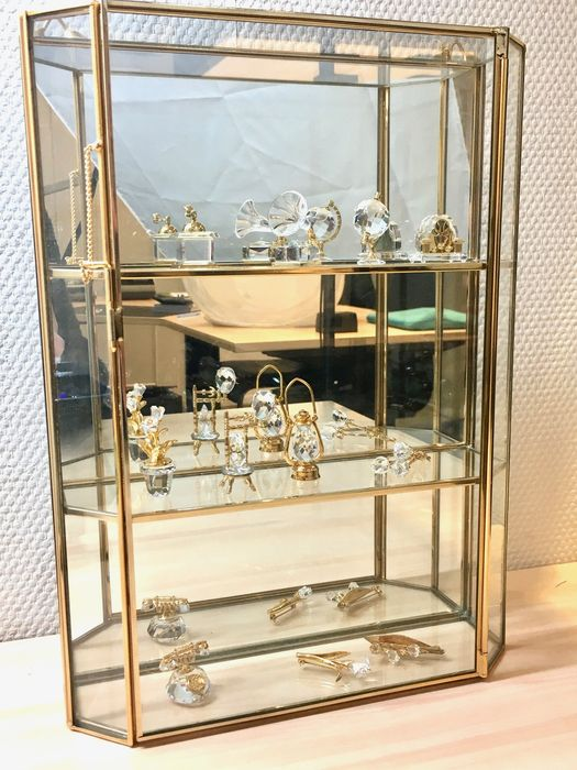 Origineel Swarovski Vitrinekastje.Swarovski Glass Cabinet With 11 Miniatures Catawiki