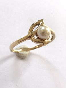 14 kt Yellow gold fantasy ring with pearl