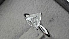 1.01 ct triangle diamond solitaire ring 14 kt gold *** no reserve price ***
