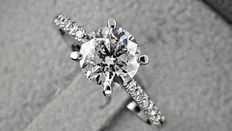 1.42 ct round diamond ring made of 14 kt white gold +++ no reserve price +++