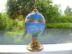 Franklin Mint - House of Faberge Lily of the Valley music egg