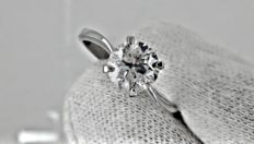 1.05 ct round diamond ring made of 14 kt gold *** no reserve price ***