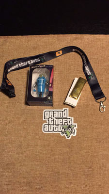 GTA V Rare Goodies 2 usb flashdrives The loneliest robot of great britain and A goldbar