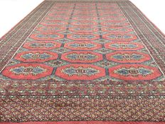 Bouchara – 214 x 151 cm – Persian carpet in dusky pink – in mint condition.