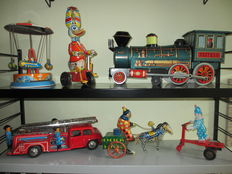 Japan/W. Germany / Hungary / USSR / Several Dimensions - Lot with 6 pieces of tin toys with clockwork/battery engine, 1970s/90s