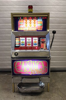 BALLY CASINO ROYALE Slotmachine, 2000 Serie