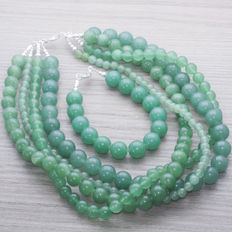 Green jade necklace and bracelet with silver brooch