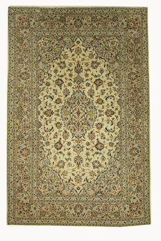 Very beautiful Persian carpet, Kashan, 2.96 x 1.96, hand-knotted of genuine wool on cotton, Iran, oriental carpet in top condition