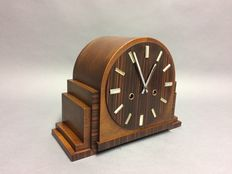 Art Deco wooden mantel clock - Amsterdam School - Two types of wood utilised - Period: 1935