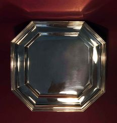 Octagonal plate in silver 800 from the 1970s, marked 29PD, silversmith R. Greggio