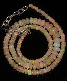 Necklace with Ethiopian Welo opal beads, between 3 and 8 mm  each.
