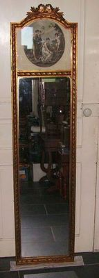 """Louis XVI style mirror in gilded wood - with engraving """"Amor Plectitur"""" after Angelica Kauffman - France - circa 1900"""