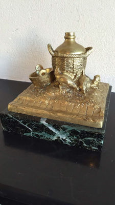 Bronze sculpture with inkwell depicting chickens with basket - marked Alonzo - circa 1900