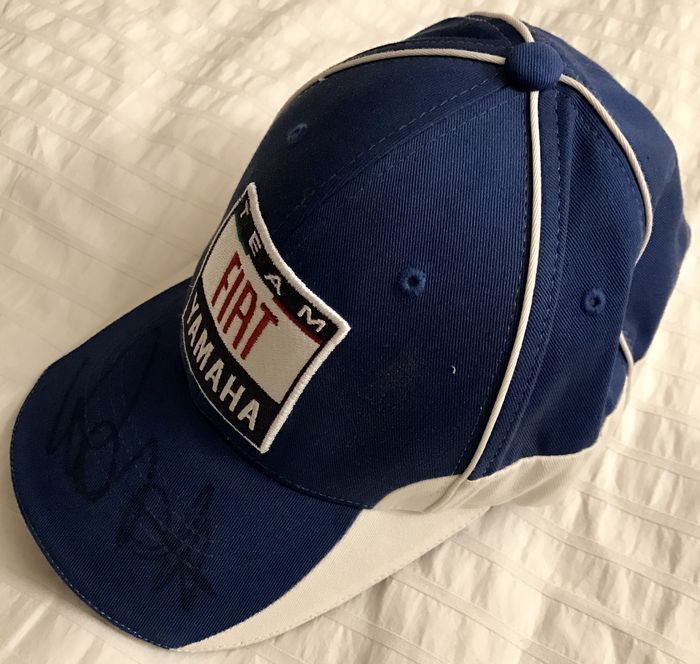 a6519da2b8a Valentino Rossi - cap with signature of the great rider - Catawiki