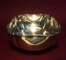 Square-shaped bowl, entirely hand finished in silver 800, Italy