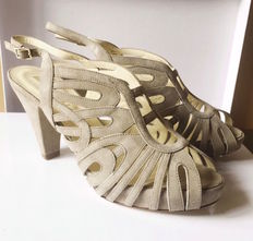 Bruno Magli – court sandals in suede leather