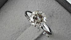 2.18 ct round diamond ring made of 14 kt white gold *** no reserve price ***