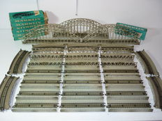 Märklin H0 - 28-part metal arch bridge set