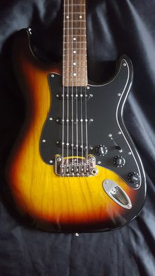 G&L Legacy Tribute - Stratocaster - Indonesia - 2015