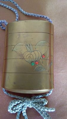 Gold lacquered inro, signed Joyusai –Japan – 19th century