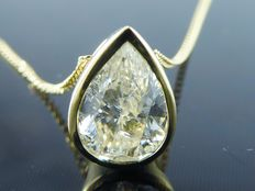 Yellow gold solitaire pendant, set with 1 pear cut 1.15 ct diamond