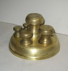 "Set ""Avery"" weights - calibrated - England - 19th century"