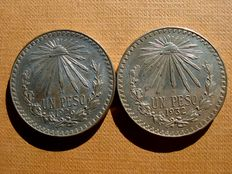 "Mexico - Pair of 1 peso silver ""radiance"" coins. Mexico City, 1926 and 1932. (2)"