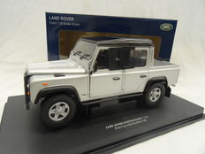Universal Hobbies - Scale 1/18 - Land Rover Defender 110 Pick Up with double cabin - Siver colour