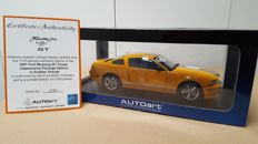AUTOart - Scale 1 /18 - 2007 Ford Mustang Shelby GT Coupe