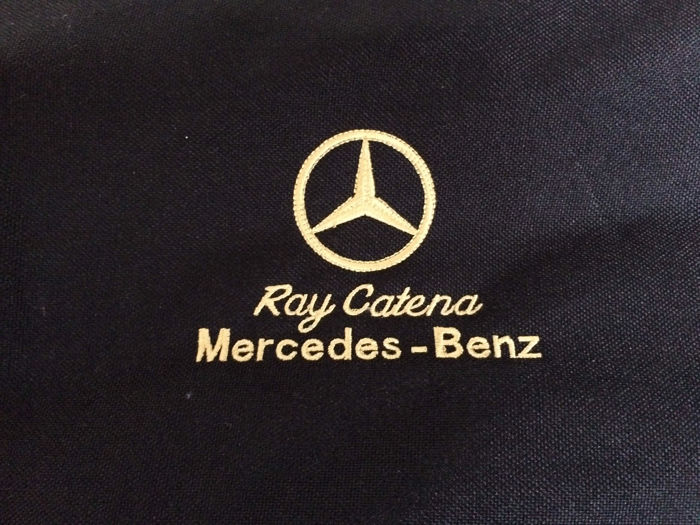 Mercedes benz kledingtas hoes uitgegeven door ray catena for Ray catena mercedes benz