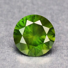 0.10 cts.  brilliant cut diamond Sparkling Green I1