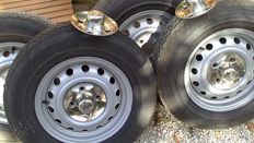 Alfa Romeo - 2000 Bertone coupe - 5 rims, Hubcaps and tires 175/14 - new condition