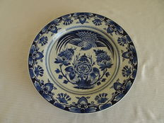 Porceleyne Fles - Large wall plate with floral and bird decor