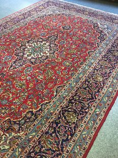 Splendid hand-knotted Persian Royal KASCHAN, with natural colours! Approx. 246 x 362 cm - in great condition